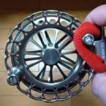 チヌのヘチ釣り用、激安だが格好いいリール「バトルフィールド 黒鯛 BK90NR」買ってみたのでインプレ。必須なアイテムも紹介。